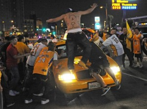 Lakers fans, vandalism, Championship celebration